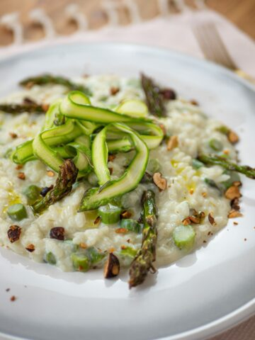 CLOSE UP BEST VEGAN ASPARAGUS RISOTTO