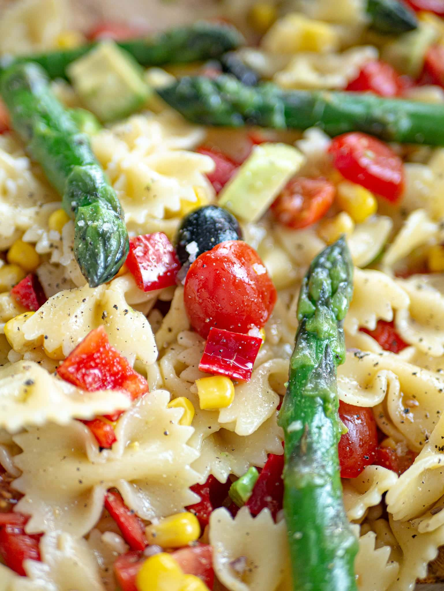 COLD PASTA SALAD CLOSE UP