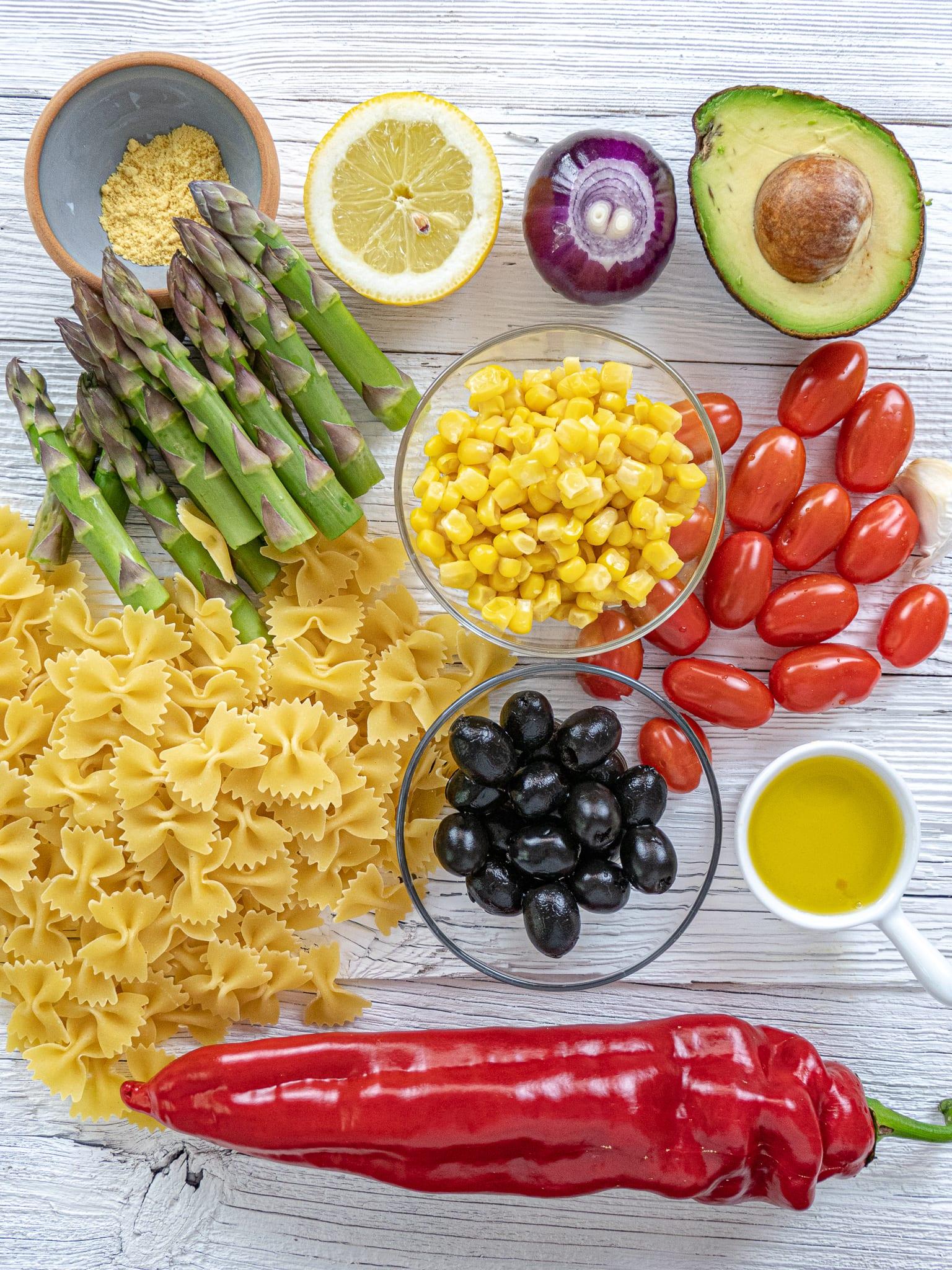 Ingredienti per l'insalata di pasta