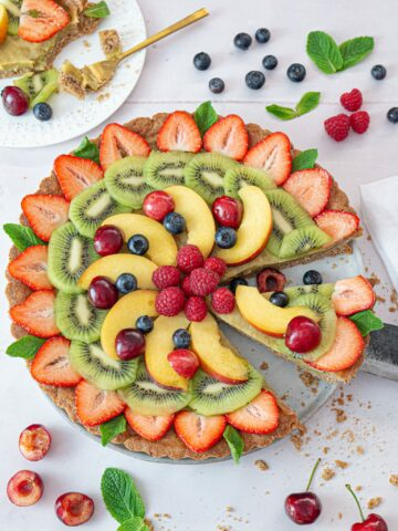 SLICED AND CRUMBLY FRUIT TART WITH VEGAN CUSTARD