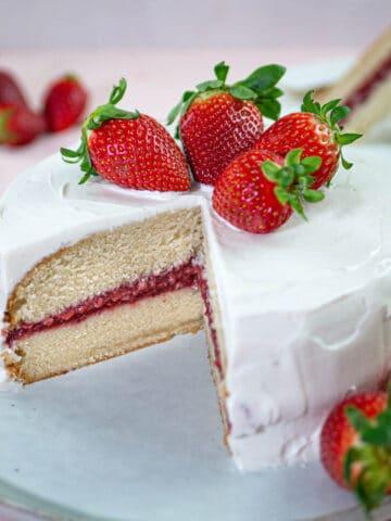 Vegan vanilla cake with strawberry jam