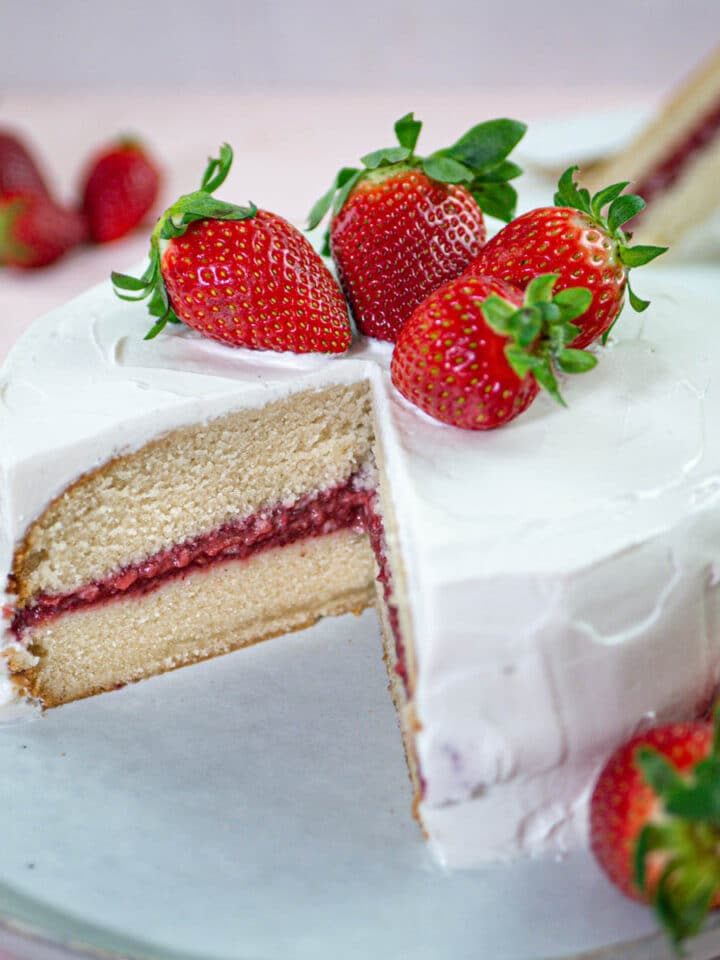 Vegan vanilla cake with strawberry jam