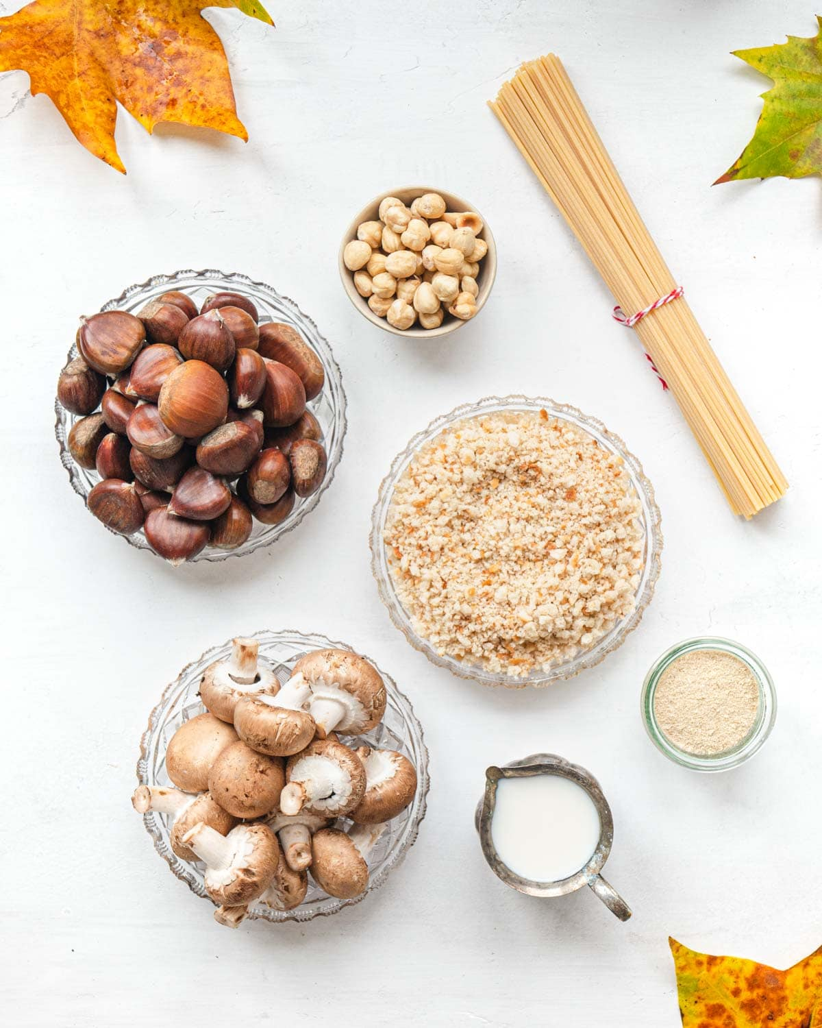 Ingredients for spaghetti with chestnut pesto