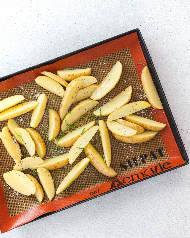 Seasoned potatoes for baking