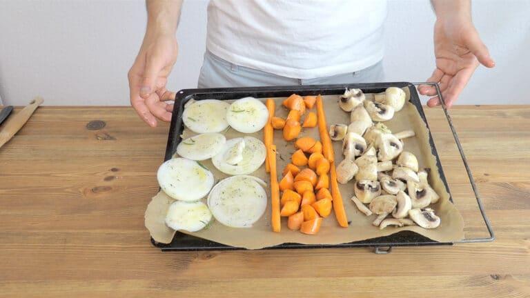 Seasoning carrots, onion and mushrooms