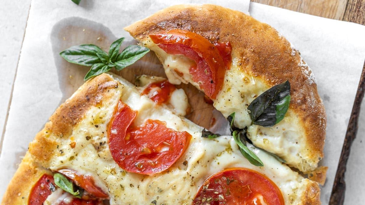 Italian flatbread pizza