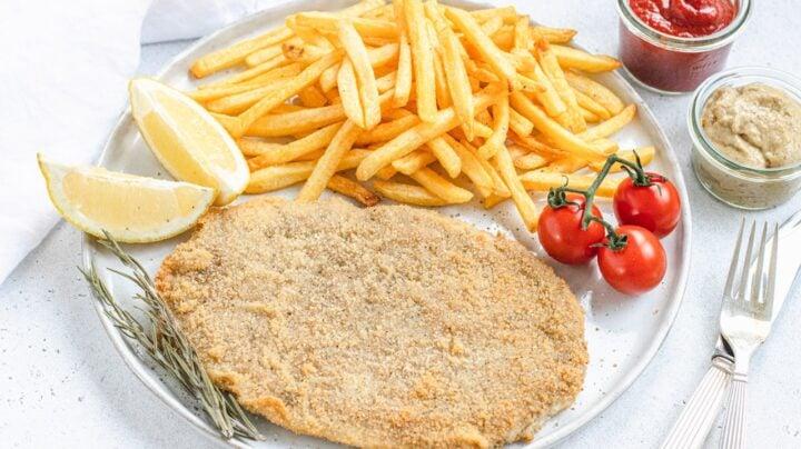 Wiener Schnitzel or cotoletta alla milanese vegan