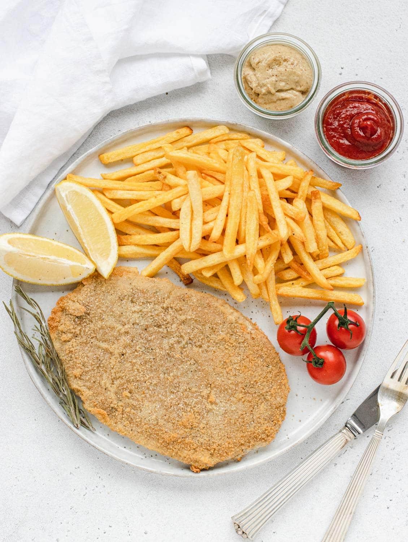 Vegan schnitzel like cotoletta alla milanese
