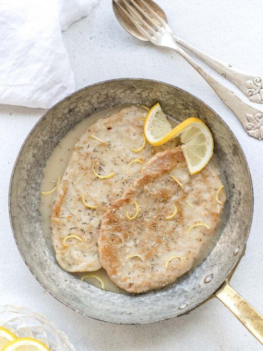 vegan lemon scaloppine ready to be eaten