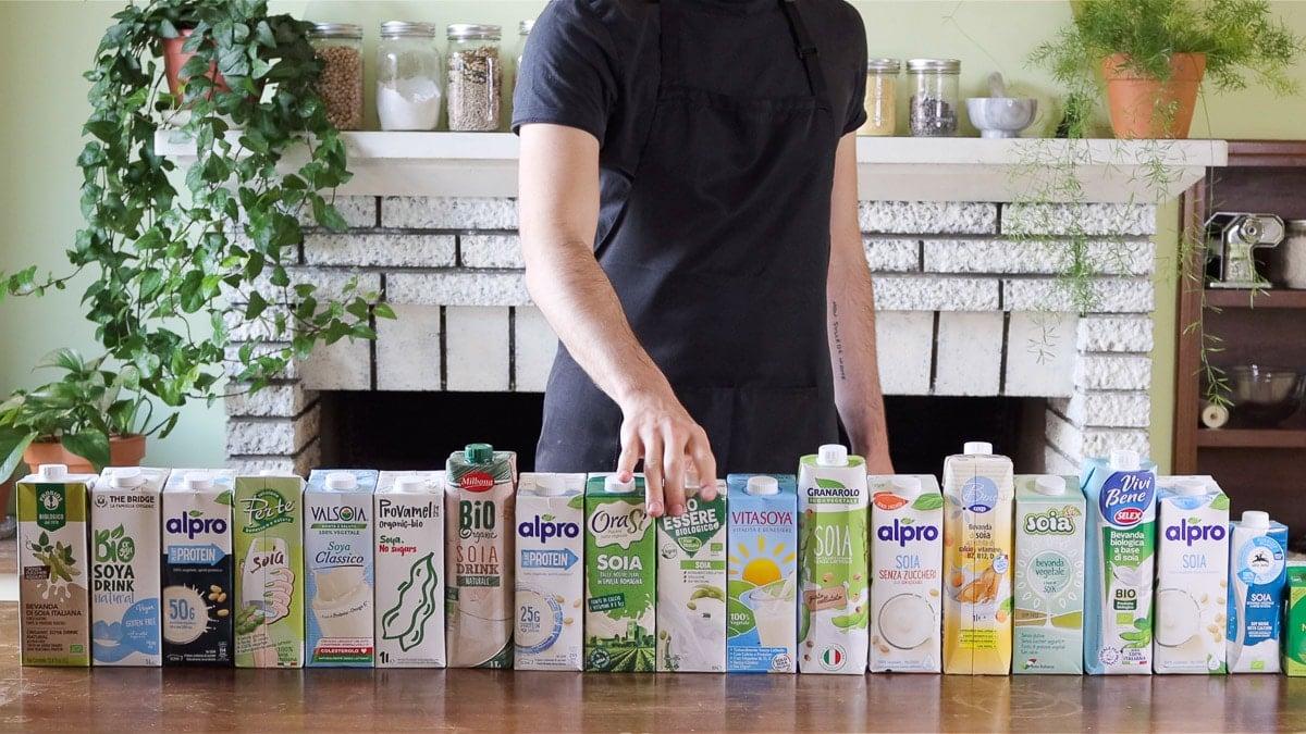 tutti i tipi di latte di soia usati per fare la ricotta vegana