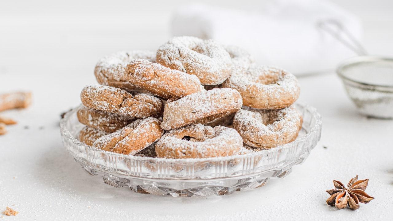 Italian red wine cookies