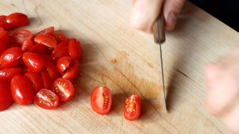Pasta al pomodoro preparation step-1