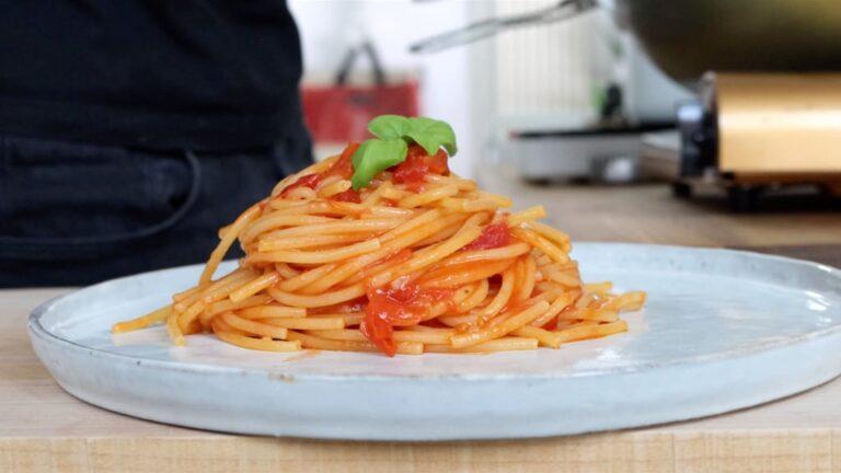 Pasta al pomodoro preparation step-8