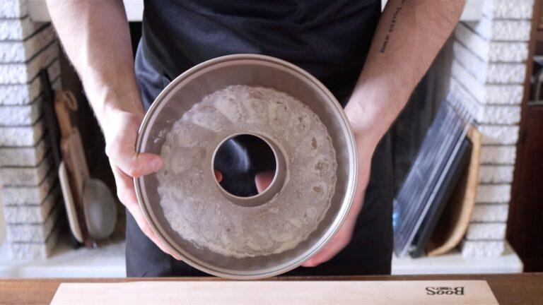 oiling a bund pan