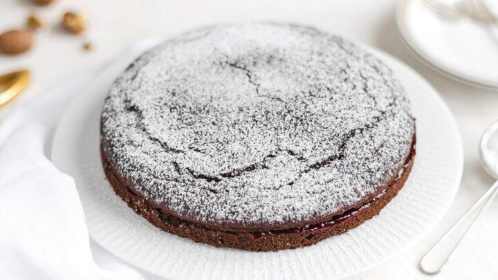 torta vegan al cioccolato e amarena