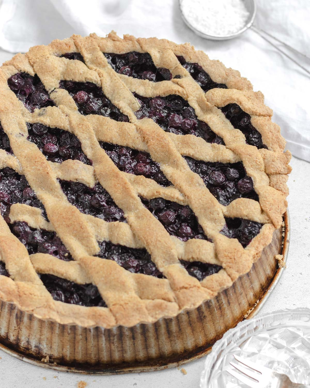 blueberry and oats crostata