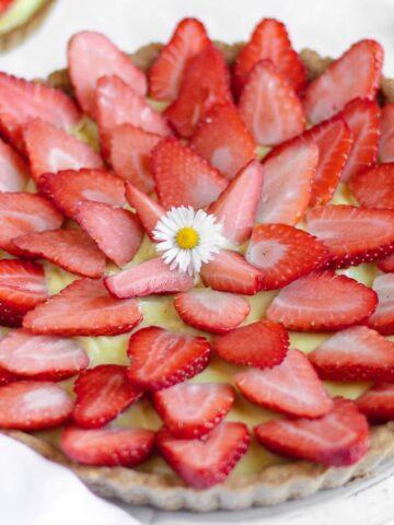 vegan strawberry tart with custard