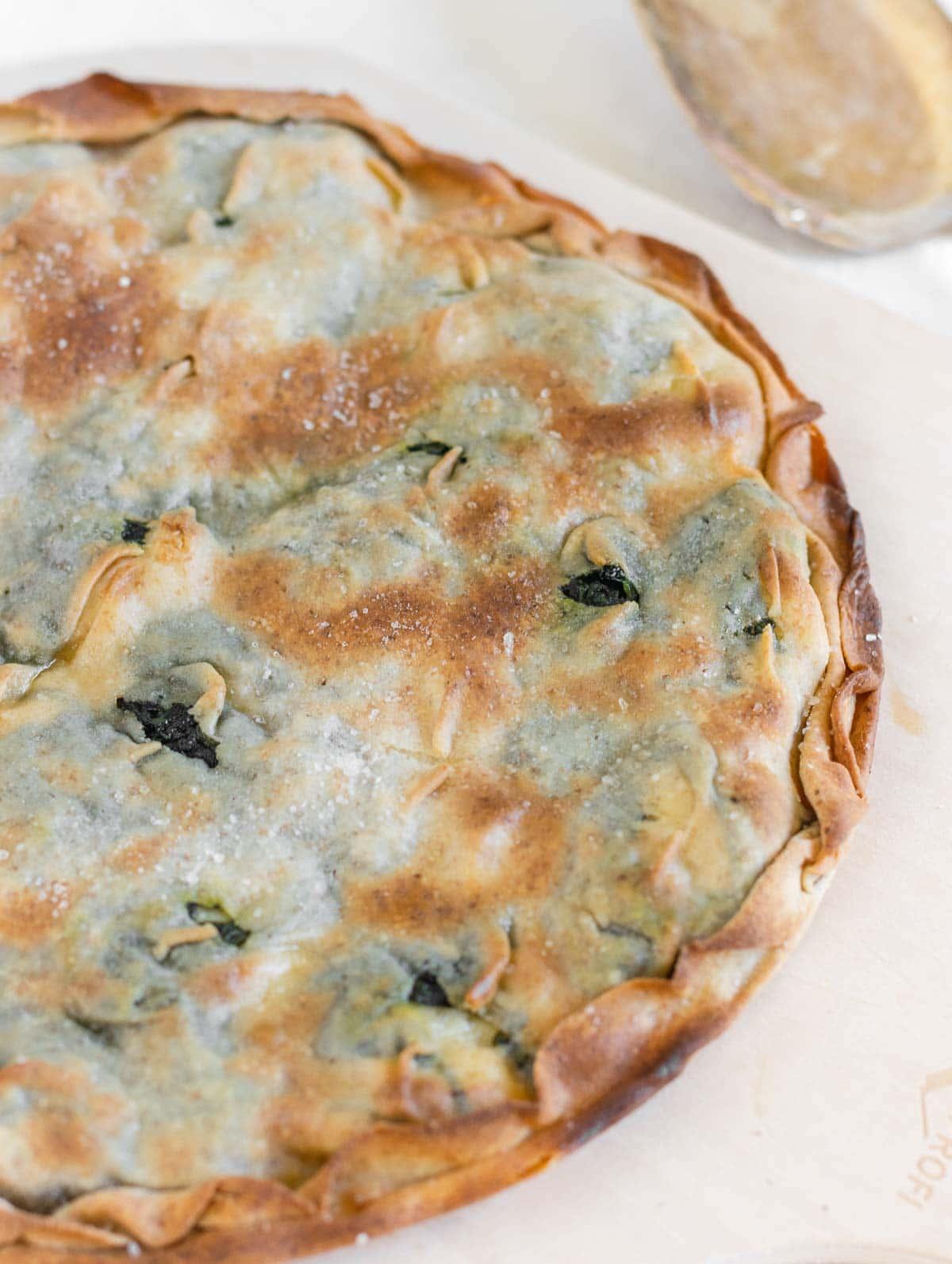 focaccia riempita con spinaci e formaggio veg