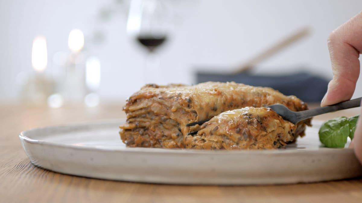 lasagna with vegan bolognese