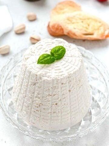 Easy vegan cheese ricotta shape on plate