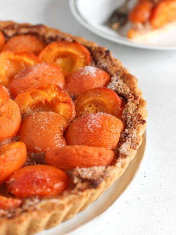 crostata di albicocche con frangipane
