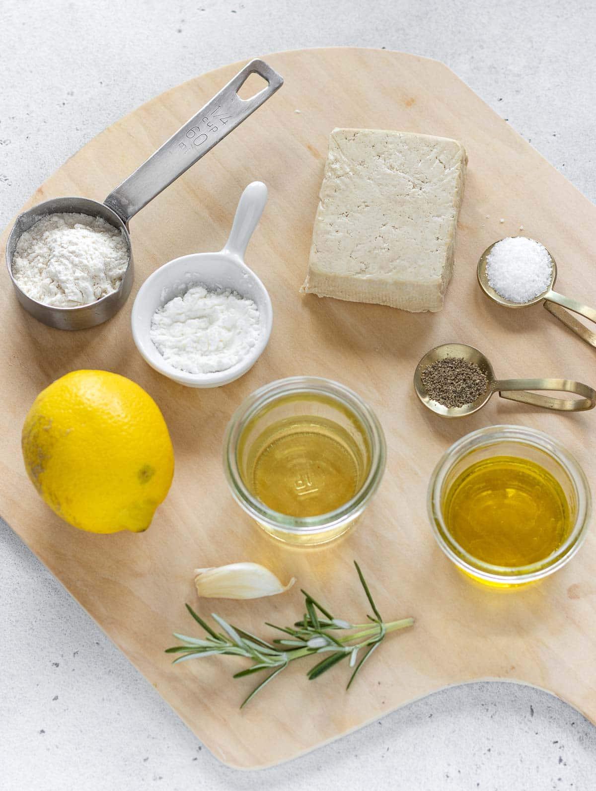 ingredienti su un tavolo
