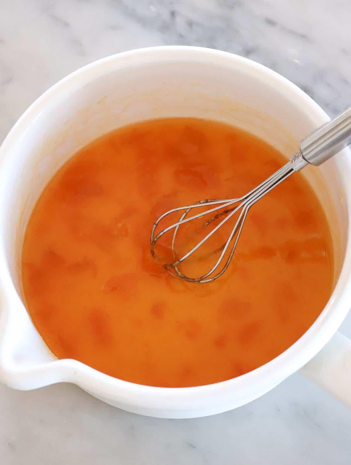 marmellata di albicocche sciolta con acqua