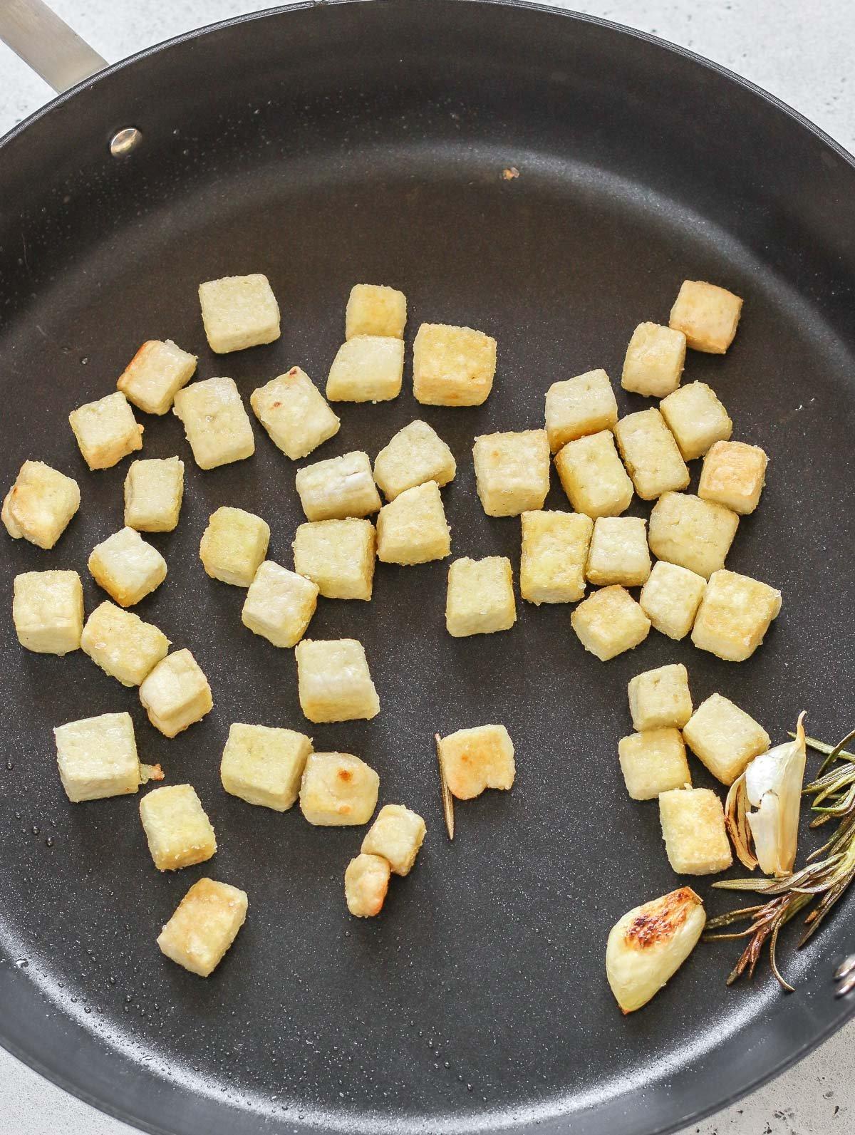 dadini di tofu croccanti e dorati