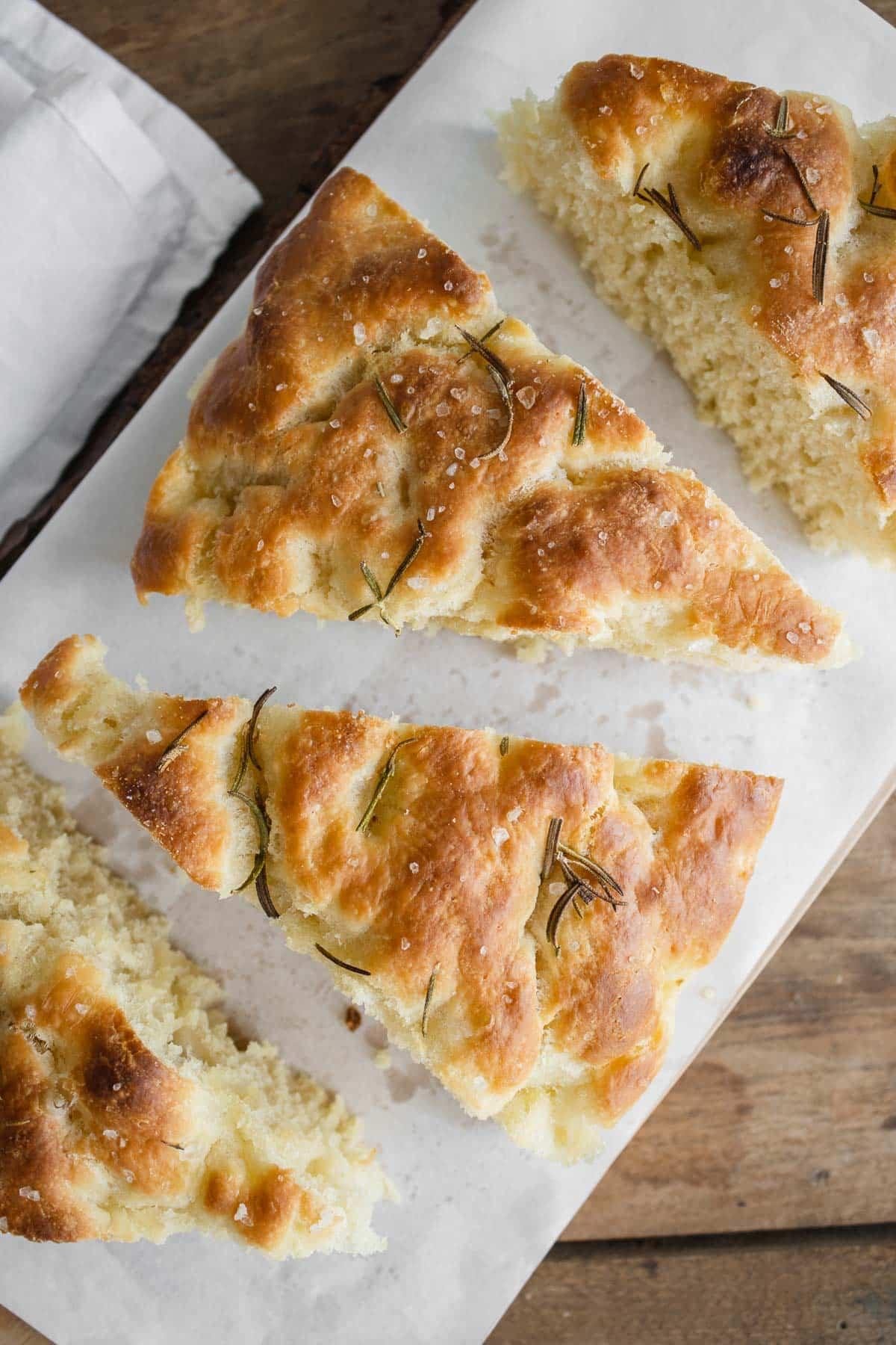 focaccia no knead cut in slices