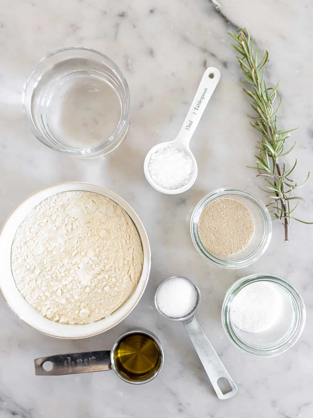 ingredients for the focaccia no knead with rosemary