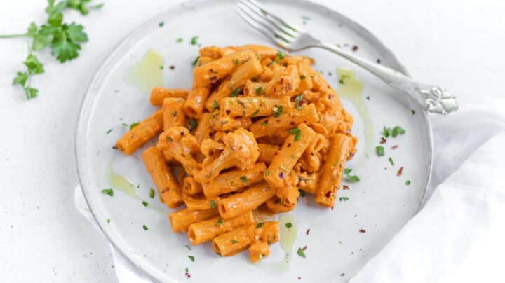 red pepper pasta with roasted cauliflower