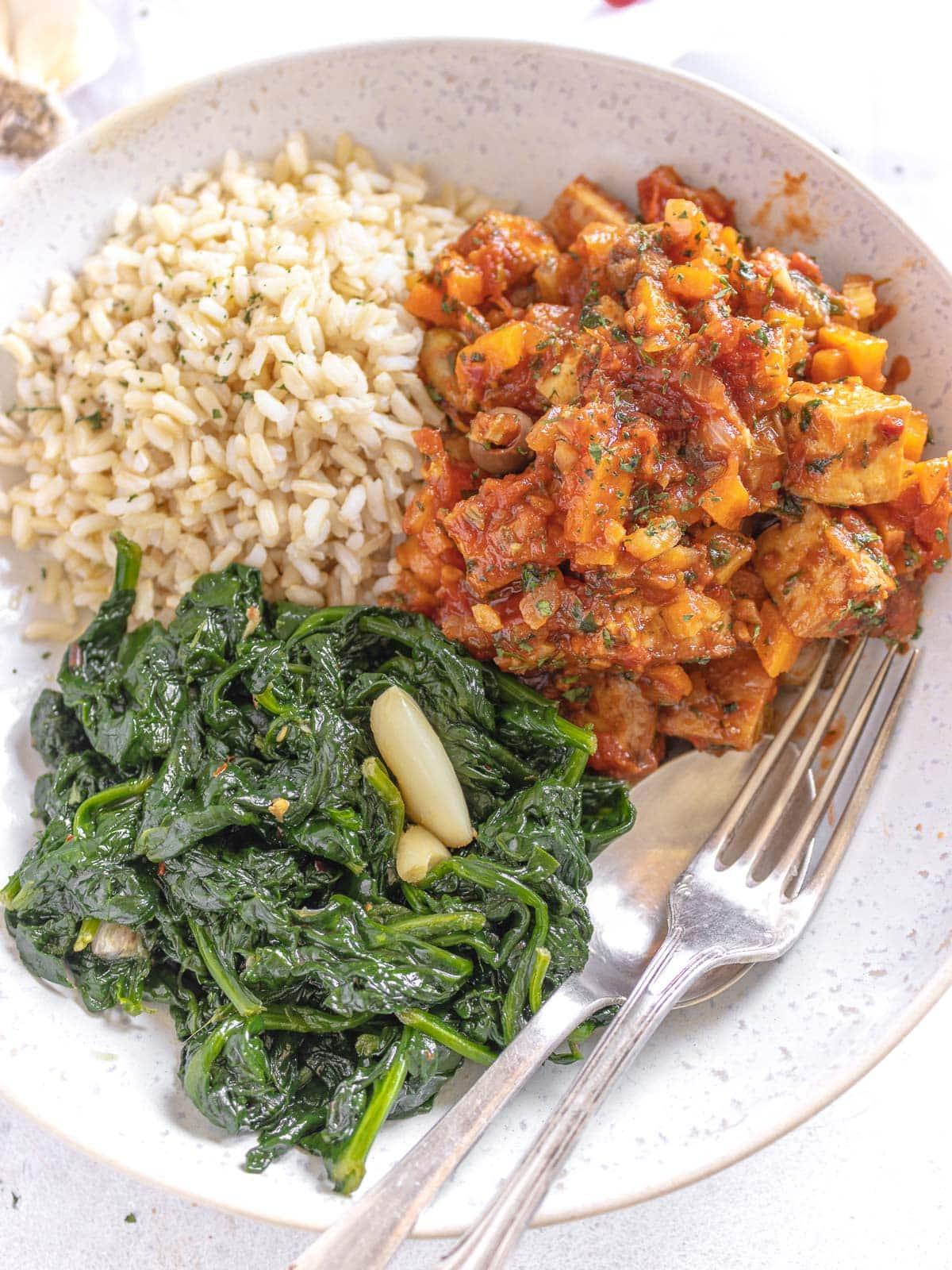 sauteed spinach and hunter style tofu